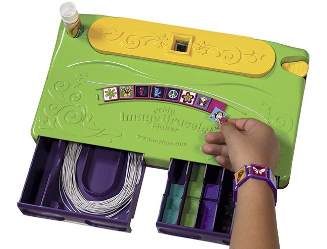 Bracelet-Maker-med-hånd